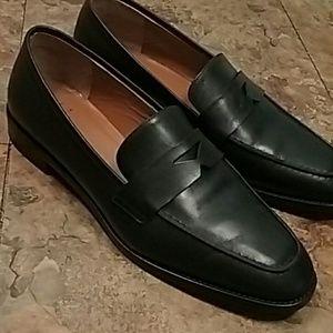 Aquatalia like new black leather career loafers 9